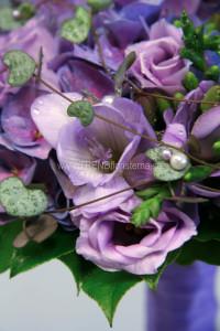 lila brudbukett närbild