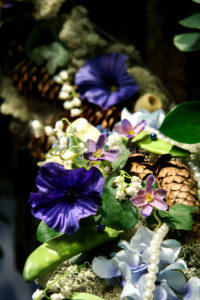 Blomsterinstallation i butik